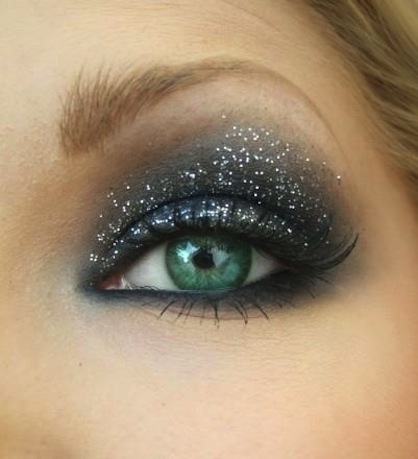 NYE Eye Make Up Trends Glitter Smoky Eye