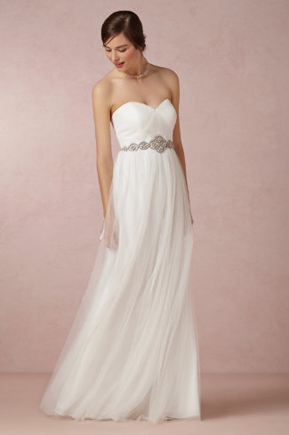 7 Amazing Wedding Dresses Under $500
