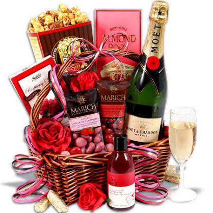 Valentine's Day DIY Gift Basket