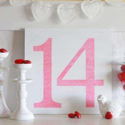 Valentine's Day DIY Glitter Sign