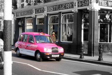 Pink Taxis Help Woman Take the Power into Their Own Hands
