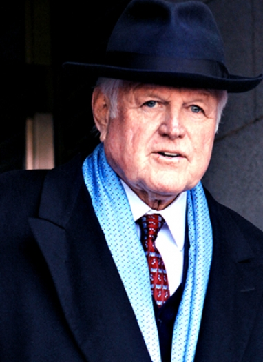 Sen. Ted Kennedy Dies at 77, Ends Battle with Cancer