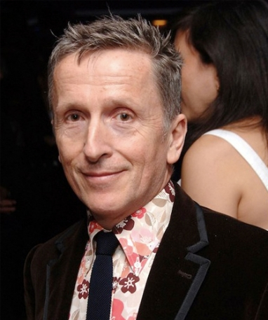 Barneys promotes Simon Doonan to creative ambassador-at-large