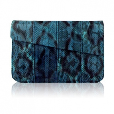 Chic Envelope Clutch | LadyLUX - Online Luxury Lifestyle, Technology and Fashion Magazine